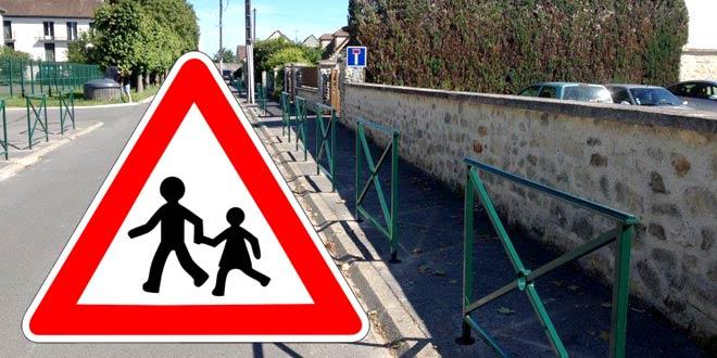 Sécurisation des écoles : pose de barrières rue des Remparts