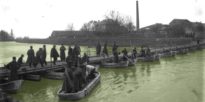 Guerre de 1914-1918 : Le génie reconstruit le pont du canal de Verberie