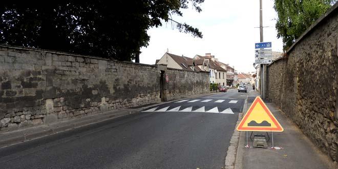 Nouveau ralentisseur rue Saint-Pierre : soyez prudents !