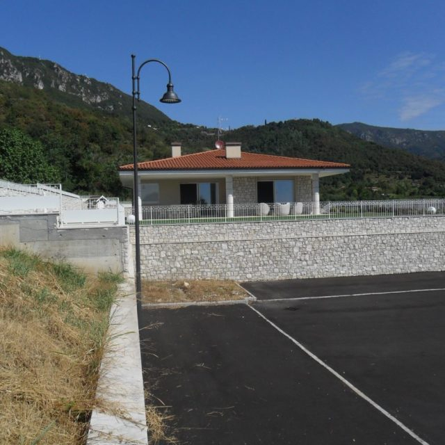 Villa in pietra Botticino