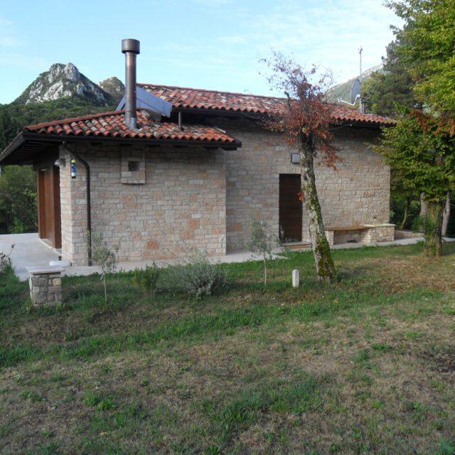 Villa in pietra di Prun