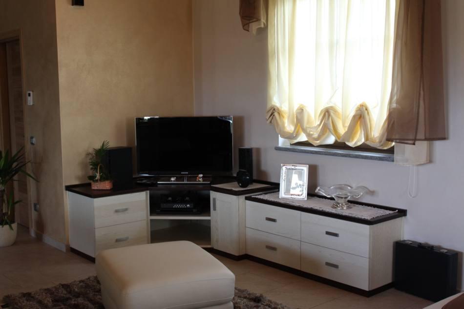 Mobile TV Angolare