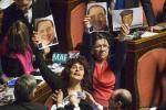 Povertà : M5S, Berlusconi fotocopiatrice impazzita, Forza Italia ha sempre votato contro il reddito di cittadinanza