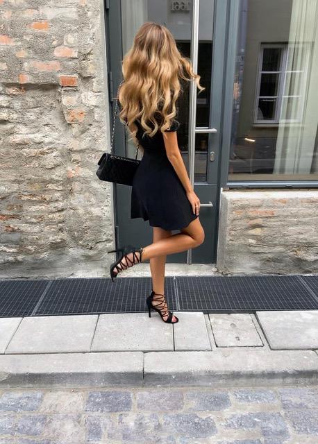 Wavy beautiful hairstyle