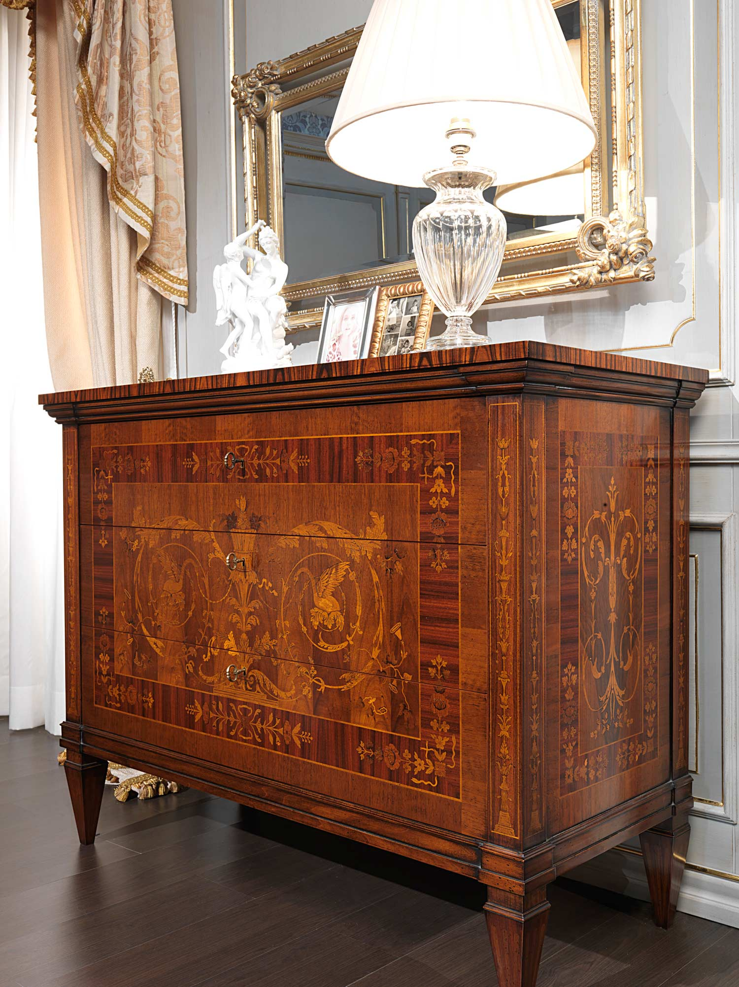 Classic Maggiolini Bedroom Chest Of Drawers Inlaid
