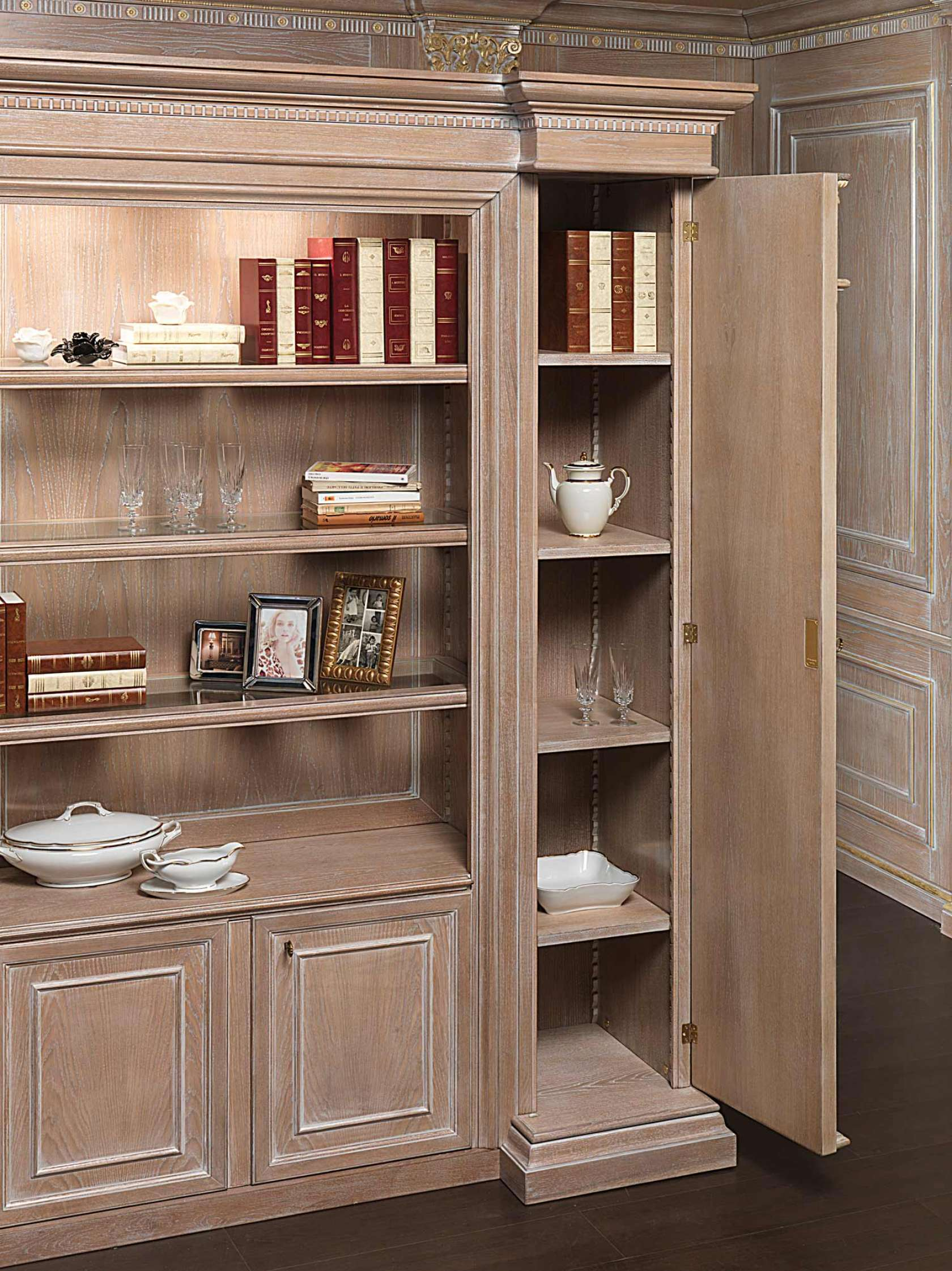 Classic bookcase for sectional wall  Vimercati Classic