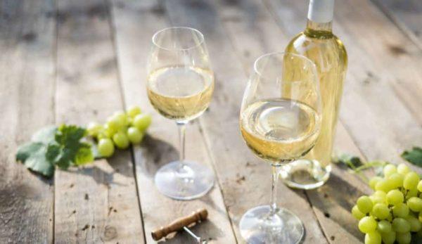 Pourquoi plus de sulfite dans le vin blanc ?