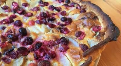 Accords de tarte aux canneberges et aux poires Crumble et vin avec Moscato d'Asti