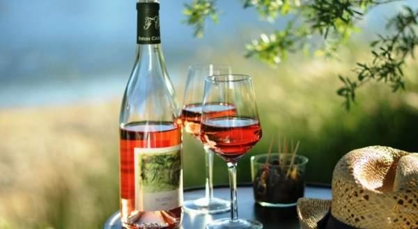 À coup sûr privilégier les couleurs foncées pour choisir un bon vin rosé