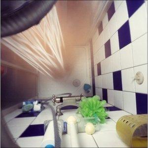 une astuce pour d boucher une douche facilement. Black Bedroom Furniture Sets. Home Design Ideas