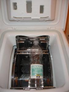 du vinaigre blanc pour d tartrer votre machine laver. Black Bedroom Furniture Sets. Home Design Ideas