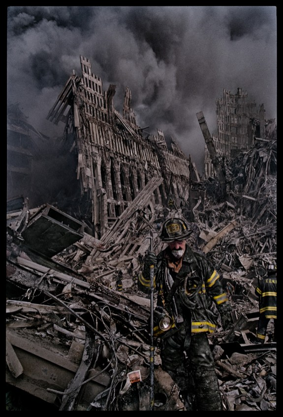 9-11 - fireman ©James Nachtwey