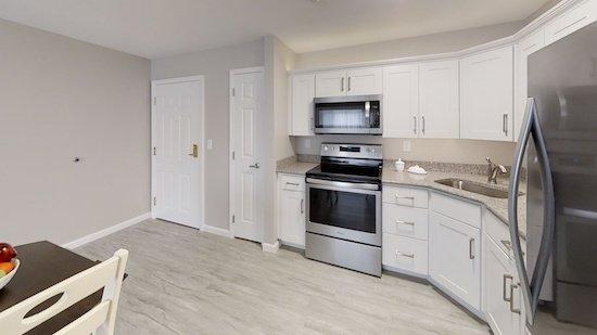 1200-Jewel-Drive-Kitchen