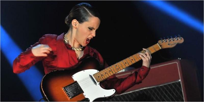 Anna Calvi: vibrante, magnetica e raffinata. E' a Torino il suo live da non perdere (Biglietti)