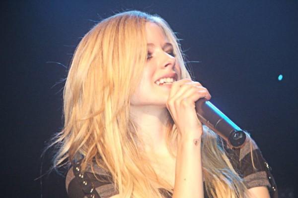 Avril Lavigne rompe con Chad Kroeger