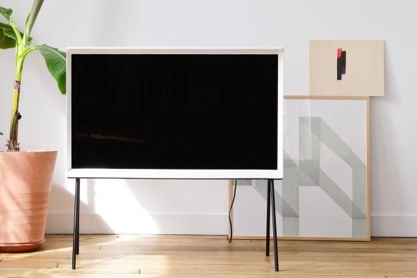 Nuevo modelo Serif de Samsung quiere ser televisor y mueble a la vez