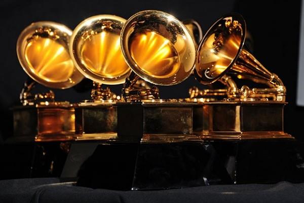 Billie Eilish gran favorita en los Premios Grammy de esta noche