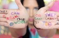 Se lanza el lyric video de Hands, el tema homenaje a las víctimas de Orlando