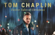 Tom Chaplin presenta 'Twelve Tales of Christmas' con 'Under A Million Lights'