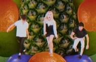 Paramore estrenan el vídeo de 'Caught In The Middle', inspirado en los primeros años 80