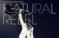 El midweek lo lidera Richard Ashcroft con 'Natural Rebel', pero huele a retorno de 'A Star is Born' al #1 en UK