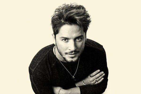 Manuel Carrasco intratable en el #1 de álbumes en España, cuarta semana consecutiva #1
