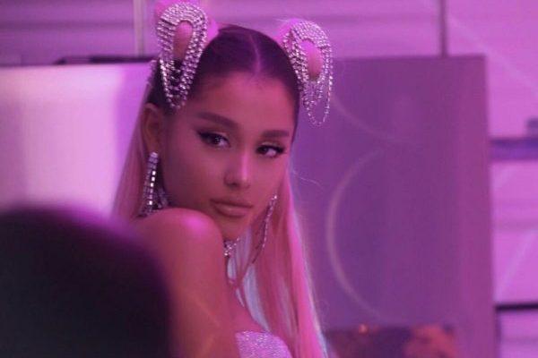 Ariana Grande mantiene por segunda semana el #1 en la lista mundial de canciones, con '7 rings'