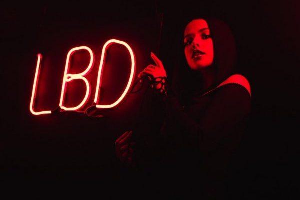 Becky G estrena el vídeo de 'LBD', su regreso al inglés