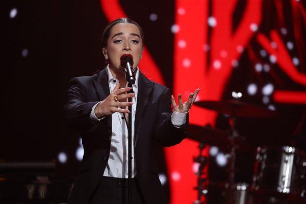 Lola Indigo anuncia que su álbum se llamará 'Akelarre' y se publicará en primavera