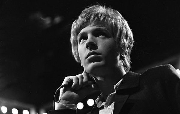Fallece a los 76 años el cantante y compositor Scott Walker, que fuera líder de The Walker Brothers