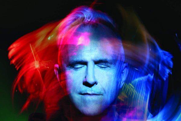 El mítico Howard Jones publicará su nuevo disco, 'Transform', el próximo 10 de mayo