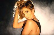Jennifer Lopez estrena una nueva versión de 'Medicine' en el remix de Steve Aoki, con un vídeo de alto voltaje