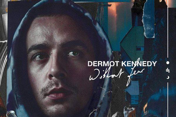 El irlandés Dermot Kennedy en disposición de su primer #1 en álbumes en UK, con 'Without Fear'