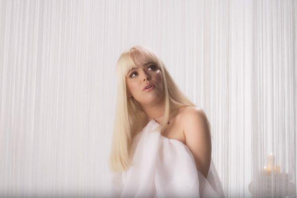 Alba Reche estrena el vídeo de 'Quimera', la canción que da título a su primer trabajo y tercer single