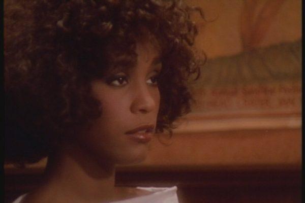 La RIAA certifica como disco de oro 'Where do Broken Hearts Go' de Whitney Houston