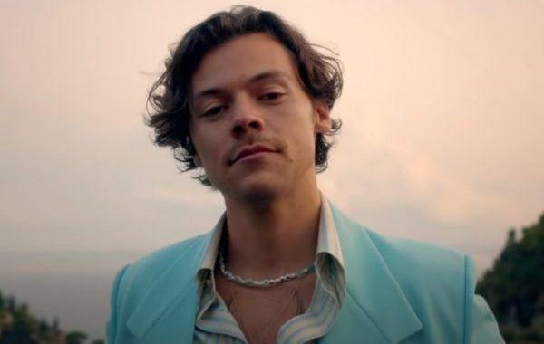 El estreno del vídeo 'Golden', de Harry Styles, relanza a la canción de nuevo en streaming