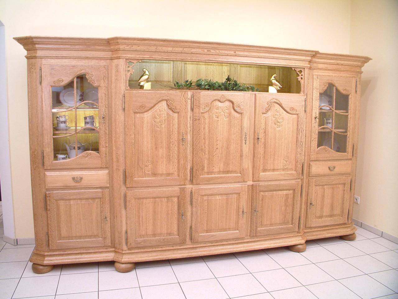 Schrank  Wohnzimmerschrank in Eiche massiv gelaugt rustikal oder Landhaus Modell Schrank