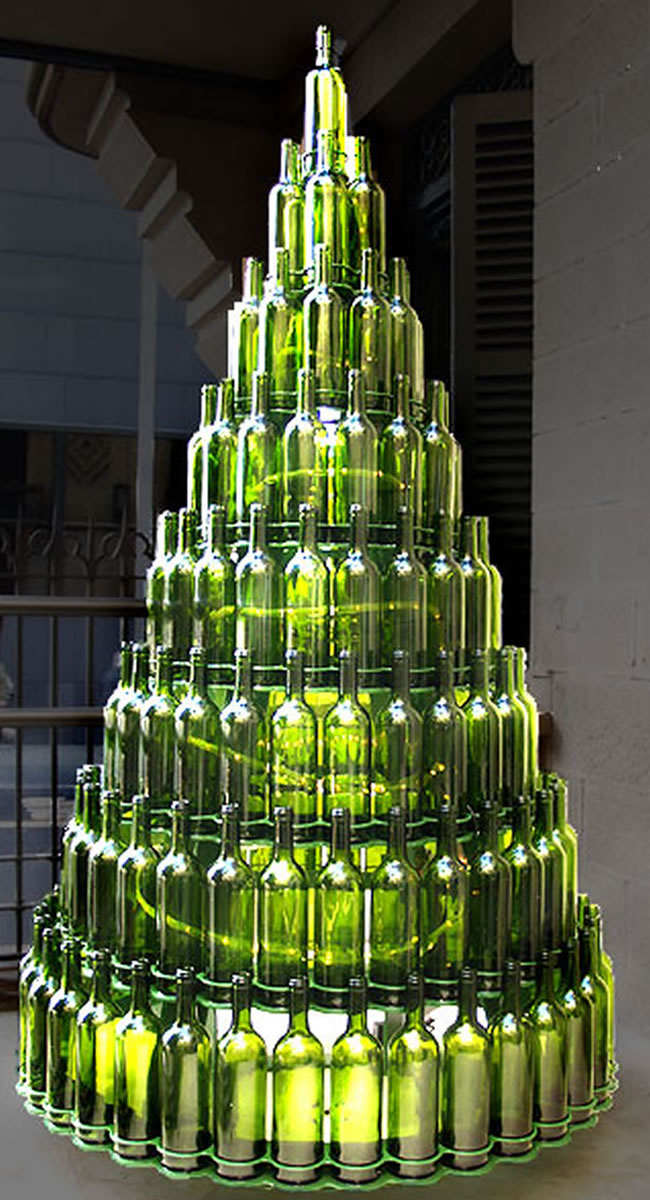 12 ideas para reciclar botellas de vino en Navidad  vinopack