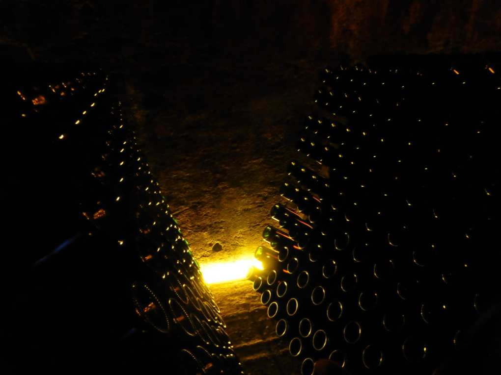 Bottiglie di Guido Berlucchi in affinamento