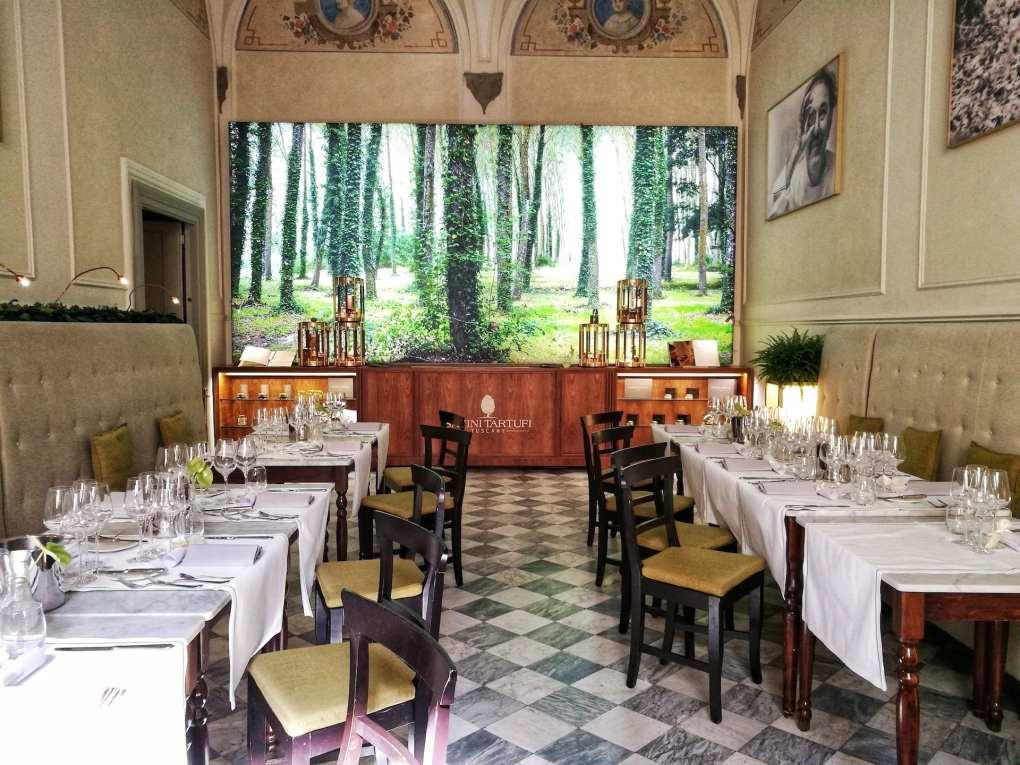 Sala del ristorante Savini di Firenze