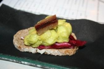 guacamole de pepino coronado con anchodina