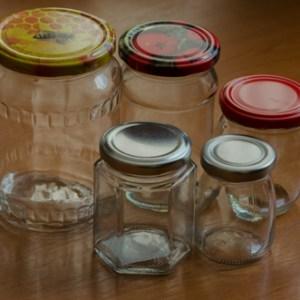 Poháre a nádoby na med