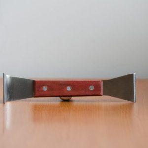 Nerezový rozperák s drevenou rúčkou