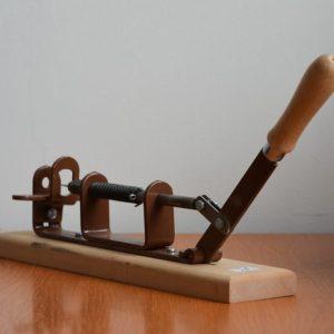 Dierkovač rámikov kov/drevo