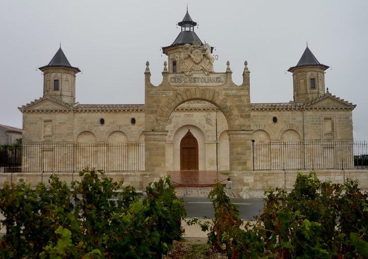 Saint-Estèphe - Château Cos d'Estournel -Deuxième Grand Cru Classé- Photo Marion CRIVELLARO