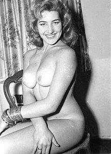 Gorgeous Blonde - Retro nude!