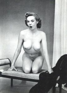 Pin-up Judy O'Day 10