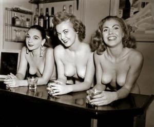Pin-up Judy O'Day with other 5
