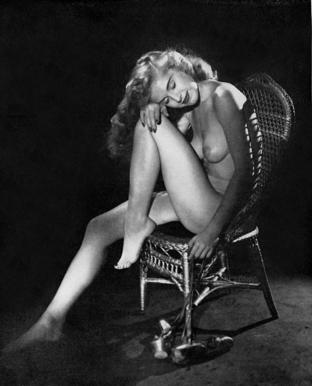 Marilyn_Waltz_Playboy4