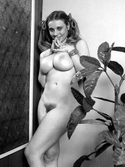 Vintage Pigtails - Vintage Nude-8848